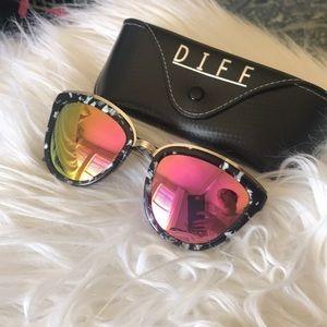 Never Worn Diff Sunglasses